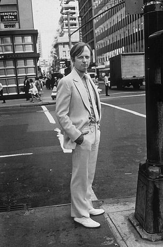 Tom Wolfe, 1978, on a street in New York City, in his trademark white suit, which helped to stand out among the crowd of writers.
