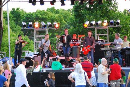 The Elders perform in Olathe, Kansas, on June 5, 2009.