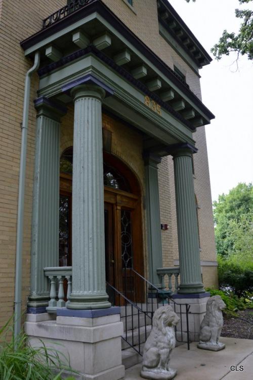 Inn at 835 Entrance, Springfield, Illinois.